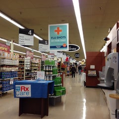 Photo taken at Jewel-Osco by Lina on 11/23/2013