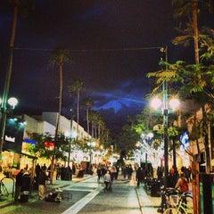 Photo taken at Third Street Promenade by Mark G. on 1/28/2013