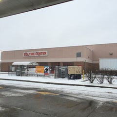 Photo taken at BJ's Wholesale Club by Peter S. on 4/4/2016
