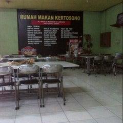 Photo taken at Rumah Makan Kertosono by nurul novita w. on 4/3/2013