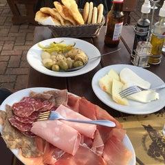 Foto scattata a Osteria Dal Nonno da Margherita B. il 10/25/2015