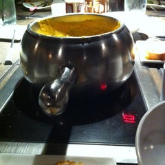 Photo taken at The Melting Pot by Portia W. on 11/7/2012