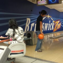 Photo taken at Brunswick Zone XL - Naperville by Mimi Y. on 8/22/2014