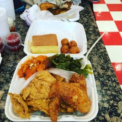 Photo taken at Mid-Atlantic Seafood & Produce Market by Reuel W. on 9/20/2015