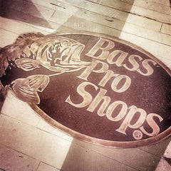 Photo taken at Bass Pro Shops by Rodrigo on 4/24/2014