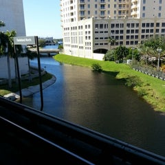Photo taken at MDT Metrorail - Dadeland North Station by KENNETH J. on 10/31/2012