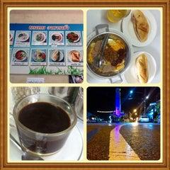 Photo taken at ร้านพรเทพ อาหารเช้ายอดนิยม by Aey on 6/23/2014