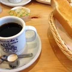 Photo taken at コメダ珈琲店 金剛東店 by Naoki M. on 1/20/2013