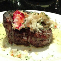Photo taken at Del Frisco's Double Eagle Steakhouse by Sounun T. on 2/16/2013