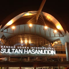 Photo taken at Sultan Hasanuddin International Airport (UPG) by Gunawan on 8/5/2013
