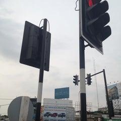 Photo taken at หลักกิโลเมตรที่ 0 จังหวัดขอนแก่น (Zero Kilometer of Khon Kaen) by au+ k. on 4/23/2013