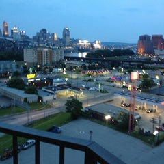 Photo taken at Radisson Hotel Cincinnati Riverfront by Franz R. on 6/18/2013