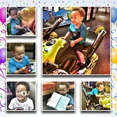 Photo taken at Peter Piper Pizza by Jeremy S. on 8/20/2013