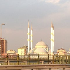Photo taken at Ümraniye by Cihan™✅ Y. on 3/23/2013