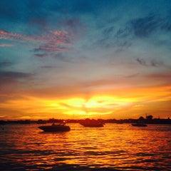 Photo taken at แพชาวบ้าน by Inpira A. on 5/2/2015