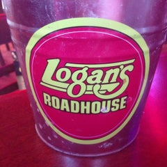 Photo taken at Logan's Roadhouse by Dale S. on 11/24/2012