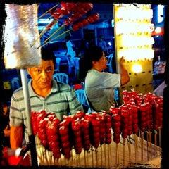 Photo taken at Pasar Malam Taman Connaught 康乐 by Yeh 😍⚽🏀🍻🍔🍱🍣😍 on 9/19/2012