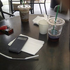 Photo taken at Starbucks by Hendry W. on 12/7/2014