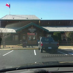 Photo taken at Texas Roadhouse by Ben C. on 11/25/2012