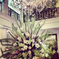 Photo taken at Hôtel Hermitage Monte-Carlo by Мяу🐯 on 7/21/2013