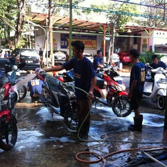 Photo taken at CM 99 Carwash by Roland C. on 8/1/2014