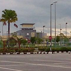 Photo taken at Kompleks Penjara Melaka by Ahmad A. on 1/2/2013