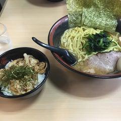 Photo taken at せい家 高円寺店 by akira on 10/4/2015