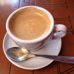 Photo taken at Espaço Café Central by Paula Z. on 10/26/2012