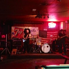 Photo taken at Greenville Inn by Rowena Y. on 9/29/2013