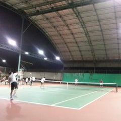 Photo taken at Văn Thánh Tennis Court by Viet Si L. on 10/23/2012