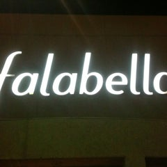 Photo taken at Falabella by Mario Francisco A. on 6/9/2014