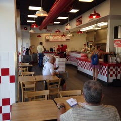 Photo taken at Five Guys by Kai V. on 7/31/2014