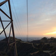 Photo taken at Fat Girl Hill at Runyon Canyon by Yian on 11/19/2013