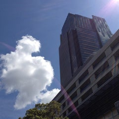 Photo taken at 東京ミッドタウン (Tokyo Midtown) by Emiko K. on 5/12/2013