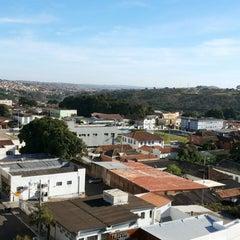Photo taken at Plaza Inn Flat Araxá by Bittencourt Leon J. on 8/9/2013
