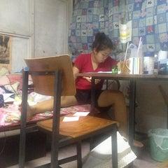 Photo taken at ตึกพักหญิงชวนชม by deenudee🎈 on 4/26/2013