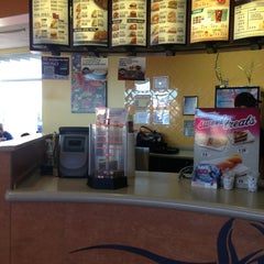 Photo taken at Taco Bell by Pooja S. on 1/20/2013