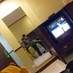 Photo taken at Garden Plaza Hotel & Suites by Andre Jovi C. on 9/16/2015