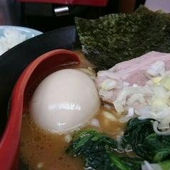 Photo taken at 横浜ラーメン武蔵家 幡ヶ谷店 by たいし on 5/22/2016