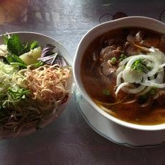 Photo taken at Cafe Nhật Nguyệt by Terpin N. on 1/8/2013