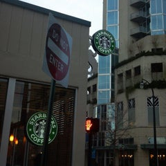 Photo taken at Starbucks by DelVinson on 12/23/2012