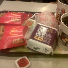 Photo taken at McDonald's by Intan S. on 3/25/2015