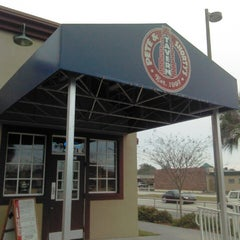 Photo taken at Pete And Shorty's Pinellas Park by Traci H. on 4/3/2013