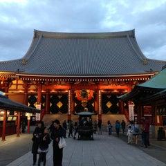 Photo taken at 浅草寺 (Sensō-ji Temple) by bh5944 on 4/21/2013