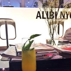 Photo taken at Alibi NYC Salon by sgoerg on 11/24/2013