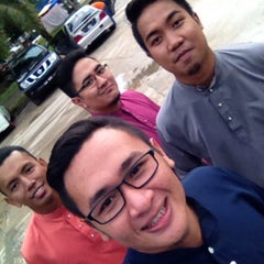 Photo taken at Dusun Bay Restaurant & Cafe by Faizal T. on 7/8/2015