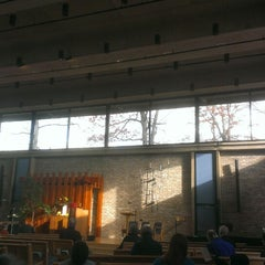 Photo taken at Unitarian Universalist Church Of Arlington by Ali N. on 11/24/2013