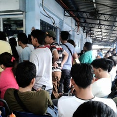 Photo taken at LTO- Pasay by Rom C. on 8/28/2013