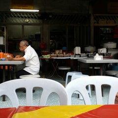 Photo taken at Medan Selera Seksyen 15, Shah Alam by Aca A. on 8/17/2014