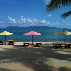 Photo taken at Maenamburi Resort by Steve R. on 11/8/2012